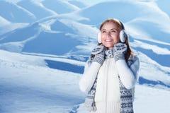 Het portret van de wintertijdvrouw stock foto