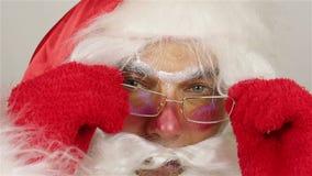 Het portret van het kerstmanclose-up stock video