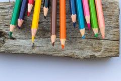 Het potlood op houten vloeren is op financiën van toepassing Royalty-vrije Stock Afbeelding