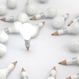 Het potlood van het tekeningsidee en gloeilampen creatief concept Stock Foto's
