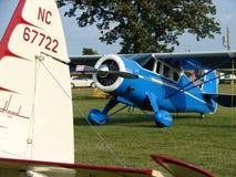 Het prachtig herstelde lijnvliegtuig van jaren '30 antieke Howard DGA 15 Stock Foto's