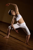 Het praktizeren van de vrouw yoga Royalty-vrije Stock Afbeelding