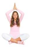 Het praktizeren van het meisje yoga Stock Afbeeldingen