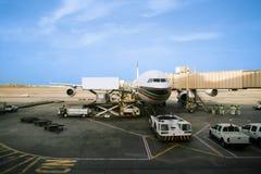 Het prepping van het vliegtuig voor vlucht royalty-vrije stock foto's