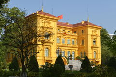 Het presidentiële paleis in Hanoi, Vietnam stock fotografie