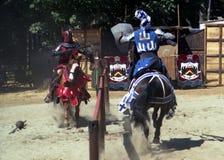 Het Presteren van ridders Stock Afbeeldingen