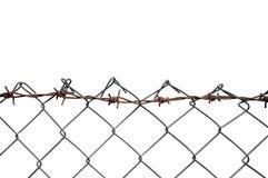 Het prikkeldraad Mesh Fence, Roest Barb Detail, isoleerde Horizontaal Rusty Barbwire, Oud Oud Doorstaan Geroest Grey Iron, Grungy Stock Afbeelding