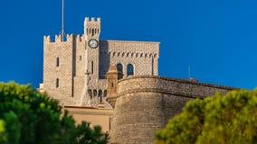 Het prins` s Paleis van Monaco timelapse met vroege lichte ochtend het is de officiële woonplaats van de Prins van Monaco stock footage