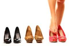 Het proberen op schoenen Royalty-vrije Stock Afbeelding