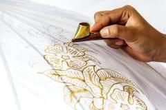 Het proces om batik te maken royalty-vrije stock afbeeldingen
