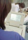 Het proces om een elektrocardiogram te registreren Stock Foto's