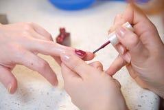 Het proces van de manicure Stock Afbeelding