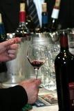 Het proeven van de wijn Stock Afbeeldingen
