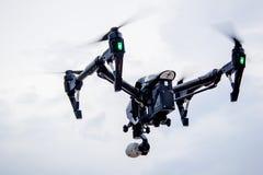 Het professionele camerahommel vliegen royalty-vrije stock fotografie