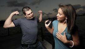 Het pronken van de met spieren stock foto