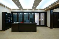 Het propere bureau van het bedrijf stock foto's
