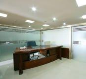 Het propere bureau van het bedrijf stock foto