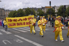 HET PROTEST VAN DE GONG VAN DENEMARKEN FALUN TEGEN CHINA Stock Foto