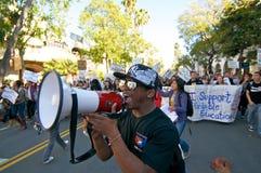 Het Protest van de student in Kerstman Barbara, CA Stock Fotografie