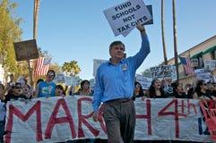 Het Protest van de student in Kerstman Barbara, CA Royalty-vrije Stock Foto's