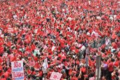 Het Protest van het rood-overhemd in Bangkok Stock Foto's
