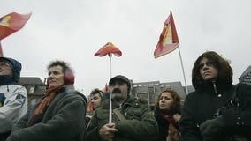 Het protesteren tegen uitbreiding van de 'noodtoestand' stock footage