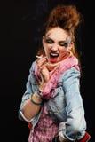 Het punk het meisje van Glam roken Royalty-vrije Stock Foto's