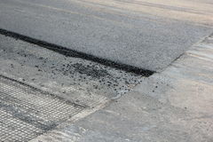 Het punt van het vergaderings nieuwe en oude asfalt. Stock Fotografie