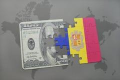het raadsel met de nationale vlag van Andorra en het dollarbankbiljet op een wereld brengen achtergrond in kaart Stock Afbeeldingen