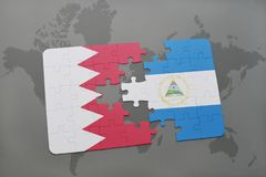 het raadsel met de nationale vlag van Bahrein en Nicaragua op een wereld brengen achtergrond in kaart Stock Afbeeldingen