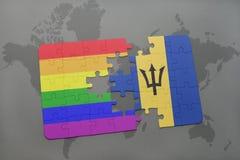 het raadsel met de nationale vlag van Barbados en vrolijke regenboogvlag op een wereld brengt achtergrond in kaart Royalty-vrije Stock Foto's