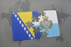 het raadsel met de nationale vlag van Bosnië-Herzegovina en San-marino op een wereld brengen achtergrond in kaart Stock Afbeeldingen