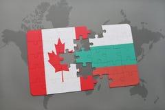 het raadsel met de nationale vlag van Canada en Bulgarije op een wereld brengen achtergrond in kaart Stock Afbeeldingen