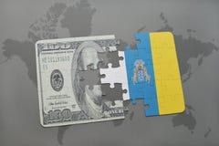 het raadsel met de nationale vlag van Canarische Eilanden en het dollarbankbiljet op een wereld brengen achtergrond in kaart Stock Foto