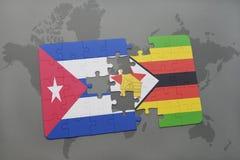 het raadsel met de nationale vlag van Cuba en Zimbabwe op een wereld brengen achtergrond in kaart Royalty-vrije Stock Afbeeldingen