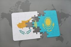het raadsel met de nationale vlag van Cyprus en Kazachstan op een wereld brengen achtergrond in kaart Stock Fotografie