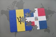 het raadsel met de nationale vlag van de Dominicaanse republiek van Barbados en op een wereld brengt achtergrond in kaart Stock Afbeeldingen