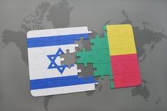 het raadsel met de nationale vlag van Israël en benin op een wereld brengen achtergrond in kaart vector illustratie