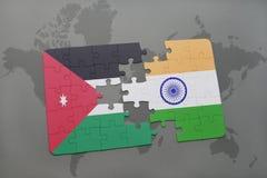 het raadsel met de nationale vlag van Jordanië en India op een wereld brengen achtergrond in kaart Royalty-vrije Stock Afbeeldingen