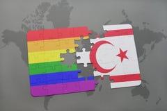 het raadsel met de nationale vlag van noordelijk Cyprus en vrolijke regenboogvlag op een wereld brengt achtergrond in kaart Stock Foto's