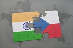 het raadsel met de nationale vlag van de Tsjechische republiek van India en op een wereld brengt achtergrond in kaart Royalty-vrije Stock Afbeeldingen