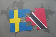 het raadsel met de nationale vlag van Zweden en Trinidad en Tobago op een wereld brengen achtergrond in kaart Royalty-vrije Stock Foto