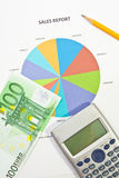 Het Rapport en het Geld van de verkoop Stock Afbeeldingen