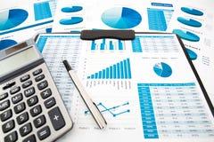 Het rapport van de bedrijfsgrafiekanalyse royalty-vrije stock foto's