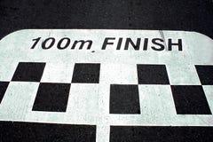 Het ras beëindigt lijn op asfalt Stock Foto