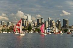 Het ras van de zeilboot in Seattle   Royalty-vrije Stock Foto's
