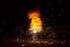 Het realistische vurige explosie busting stock afbeelding