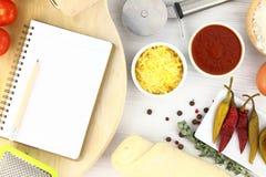 Het recept van de pizza Stock Afbeeldingen