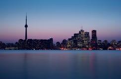 Het recht van de Horizon van Toronto na Zonsondergang Royalty-vrije Stock Afbeelding