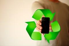 Het recyclerende moderne mobiele smartphone gebroken scherm en schade Ce stock foto